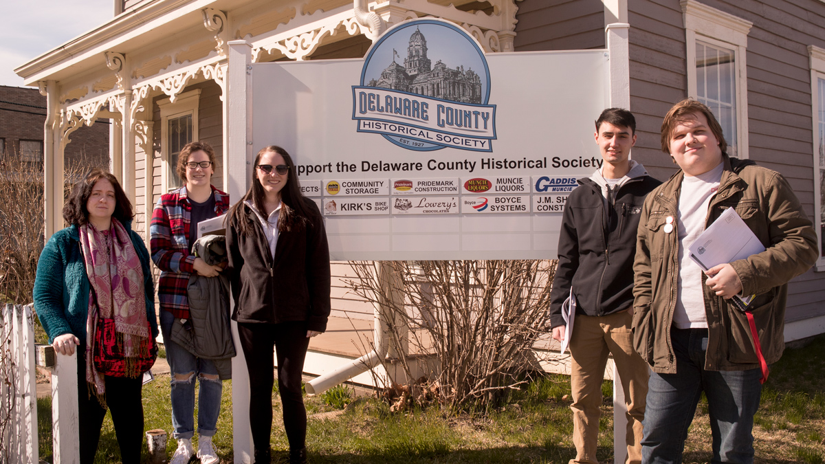 students visiting the Delaware County Historical Society